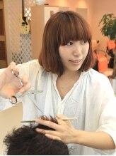 ヘアヴェローチェ(hair-veloce)山中 亜美