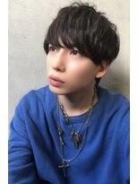王道マッシュショートレイヤー暗髪モテメンズカジュアルヘアー