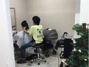 ラポールヘア 江戸川橋店の写真/【お子様同伴OK♪】なかなか自分のメンテナンスができていない忙しいママの味方に☆