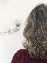 アリア トータルビューティー(Aria total beauty)外国人風ハイライトグレージュ