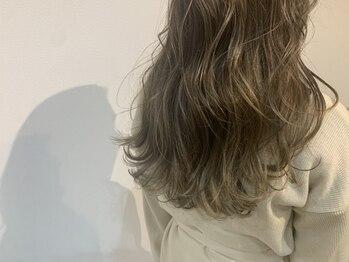 アロ(Alo's)の写真/【円山・西28丁目/徒歩1分】《Alo's》の自慢はヘアケアだけじゃない。綺麗な発色で透明感溢れるカラーに♪
