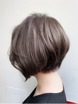 アクシー 銀座店(AXY)の写真/《明るい白髪染め対応》自由に色味が選べるからいつまでもオシャレを楽しめる♪ファーストグレイも◎[銀座]