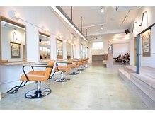 エイト オキナワ 沖縄新都心店(EIGHT okinawa)の雰囲気(NYのサーフショップをイメージしたおしゃれな空間)