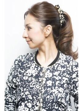 編み込みヘアのアレンジ法11選|アレンジに便利なヘアアクセ