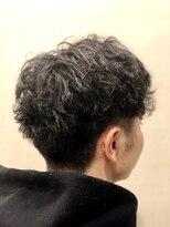 グレイスフル バーバープラチナム 六本木店(Graceful Barber platinum)【理容室】【メンズパーマ】センターパート