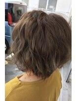 ヘアアンドメイクグラチア(HAIR and MAKE GRATIAE)ナチュラルグレー