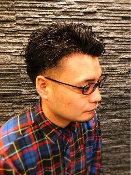 プレミアムバーバー 原宿店(PREMIUM BARBER produce by HIRO GINZA)緩めツイストスパイラル×ツーブロック