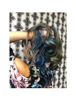 ヘアデザイン ダブル(hair design Double)インナーダブルカラーで鮮やかな派手カラーに♪