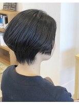 アルティスタ(Artista)後頭部ふんわりショートヘア