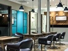 オーブ ヘアー リヒト 松本店(AUBE HAIR licht)の雰囲気(開放感のある明るい店内で、くつろぎの時間をお過ごしください。)