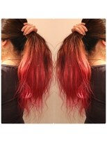 原色が綺麗なピンクヘア