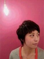 プトゥリ(Putri)くせ毛風 パーマ風ショートヘア
