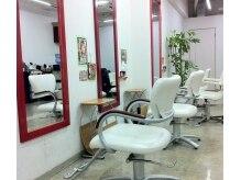 バングスヘアー 谷山店(bangs Hair)の雰囲気(女性スタッフの多いサロンです。)