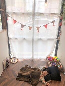 マッシュ グランバーズ 布施(MASHU GRANDVASE)の写真/「キッズスペースあり☆」居心地が良い空間&アットホームな雰囲気なので、安心したサロンtimeをご提供…