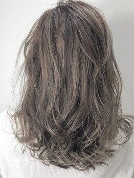 ビーオーダーズ(B-order's)の写真/少し白髪が気になり始めたファーストグレイカラーの方も、大人外国人風カラーが叶う♪諦めていた方は必見!