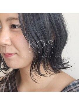 ケーオーエス(KOS beauty hair, nail & eyelash)外ハネ×ダークグレー