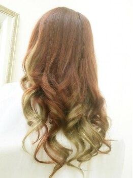 レディア 吉祥寺(Ladia)の写真/【吉祥寺人気店】髪がぺたんとしてしまう方に◎エクステで自然にまとまりが出て、理想のシルエットが叶う♪
