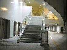 バランス オオミヤ(balance OMIYA)の雰囲気(一階は駐車場になっております。一時間無料券ご用意しております)