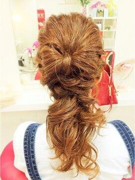 ポニーテールリボンヘアアレンジ(結婚式の髪型) ビューティサロン ユカ三宮☆リボンアレンジ ポニーテール風