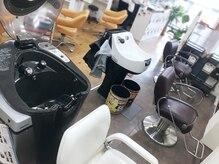 トゥエンティーフォー 泉大津店(24)の雰囲気(シャンプーは自動シャンプーと手洗いシャンプーを選べます♪)