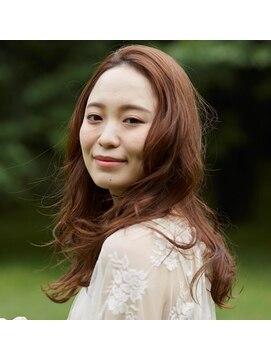 ローレン 表参道(Lauren)フェミニンウェーブ