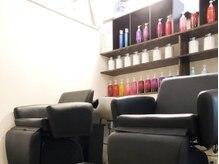 レボルトヘアー 松戸店(R-EVOLUT hair)の雰囲気(シャンプー台はフルフラット、極上のひととき◎【松戸/松戸駅】)