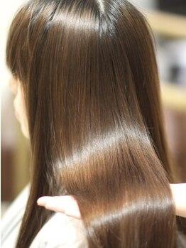 サロン ド リュクス(Salon de Luxe)の写真/綺麗な髪で自分に自信♪ハリコシ・艶・質感を大切に健康的な髪に導きます◎ハイダメージの方も気軽に相談◎