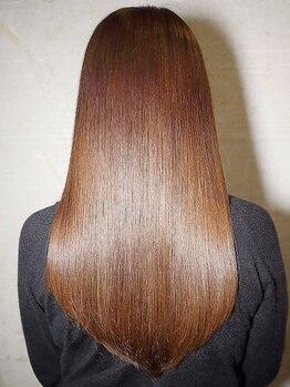 ヘアーブリーズ(hair breeze)の写真/ストレート専門店でキャリアを積んだスタイリスト在籍!!豊富な知識と高い技術で納得のスタイルに♪