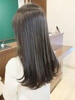キアラ(Kchiara)重く見えない暗髪カラー