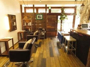 ルアナ(Luana)の写真/空き時間にリフレッシュ♪21種類の美容成分配合スパ付カットが◎個室空間で疲れた頭皮もじっくり癒します☆