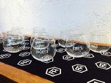 ビーアンドイー(B&E)の雰囲気(オリジナル手ぬぐいとデザイングラス、プレゼント用にも好評です)