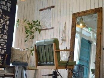 ジジ アドラーブル ヘア サロン(JiJi ADRABLE HAIR SALON)の写真/【京橋*蒲生◆大人女性◆21:00まで受付】リラックスできる空間にこだわった店内で、ゆったりtime♪