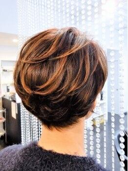 グラメニーヘアワークス(GRAM-ANY HAIR WORKS)の写真/髪に無理をさせない、くせ毛コントロールであなたに似合う理想のショートヘアstyleに☆