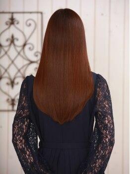 ラバーズ 菊川店の写真/厳選されたトリートメントで艶めく美髪を手に入れる☆思わず触れたくなるサラツヤヘアーに・・・♪