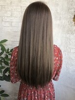 20代に30代オススメのaimy独自の美髪効果のあるアッシュ系カラー