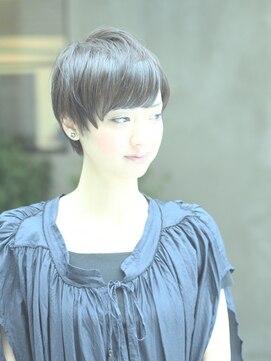 ヘルベチカ・ヘア(Helvetica hair)[helvetica hair]ブルー・ベリーショート
