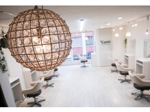 ヴァニル 吉祥寺美容院(Vanir)の雰囲気(白を基調としたやわらかな光が差し込む爽やかな空間Vanir吉祥寺)