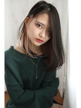 クロレ(CLORE)黒髪インナーカラー耳かけワンレンボブ【CLORE大日】