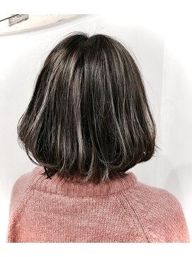 ヘアースタジオ ゼン(hair studio Zen)ハイライト2回目  【担当:井上】
