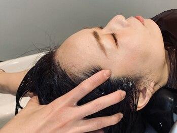 メイ(may)の写真/頭皮環境を整える炭酸Spaが大人気!最高級のフルフラットシャンプー台で髪も心もゆったりリセット♪