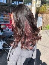 ヘアーズ フェミニン 中山店(Hair's Feminine)チェリーピンクでインナーカラー