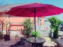 ヘアー リゾート クリップ(CLip)の雰囲気(中庭もありますので、外でゆっくりしたい方には!)