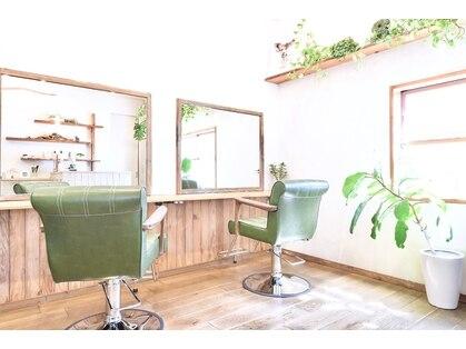 ソロヘアーメイクヘッドスパ(SOLO hair make headspa)の写真