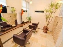 マナ ヘアリゾート(Mana hair Resort)の雰囲気(半個室のペアー席でDVDを持参すれば鑑賞もできます。)