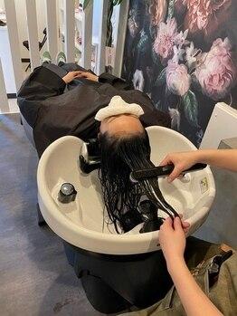 """ルリノエ(RURINOE)の写真/""""うるサラ""""の感動体験をあなたの髪で♪丁寧な工程と髪への栄養補給で,潤いと艶の溢れる健康で美しい髪に"""