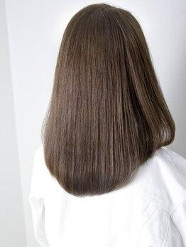 アリエ(Allie)の写真/Allieの縮毛矯正はとにかく丁寧!!一人一人の髪質に合わせて施術するから、ストレートだけで20種類と豊富◎