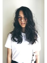 アールビィワイ ブラン(RBY blanc)ロング×スパイラルパーマ