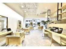 ハロナ(HARONA)の雰囲気(店内は4席、完全個室1席のゆったりとした空間☆)