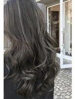 アレーン ヘアデザイン(Alaine hair design)【NAOMI】グレイアッシュ×ホワイトハイライト×エアリーロング