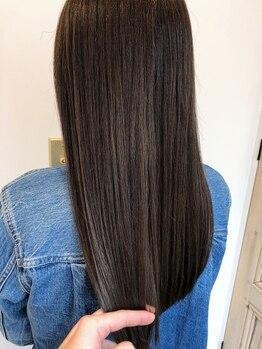 ローラン(rollant.)の写真/髪の状態に合わせて選べるトリートメントでハイダメージ毛にも高い効果を発揮する深層部への集中補修ケア!